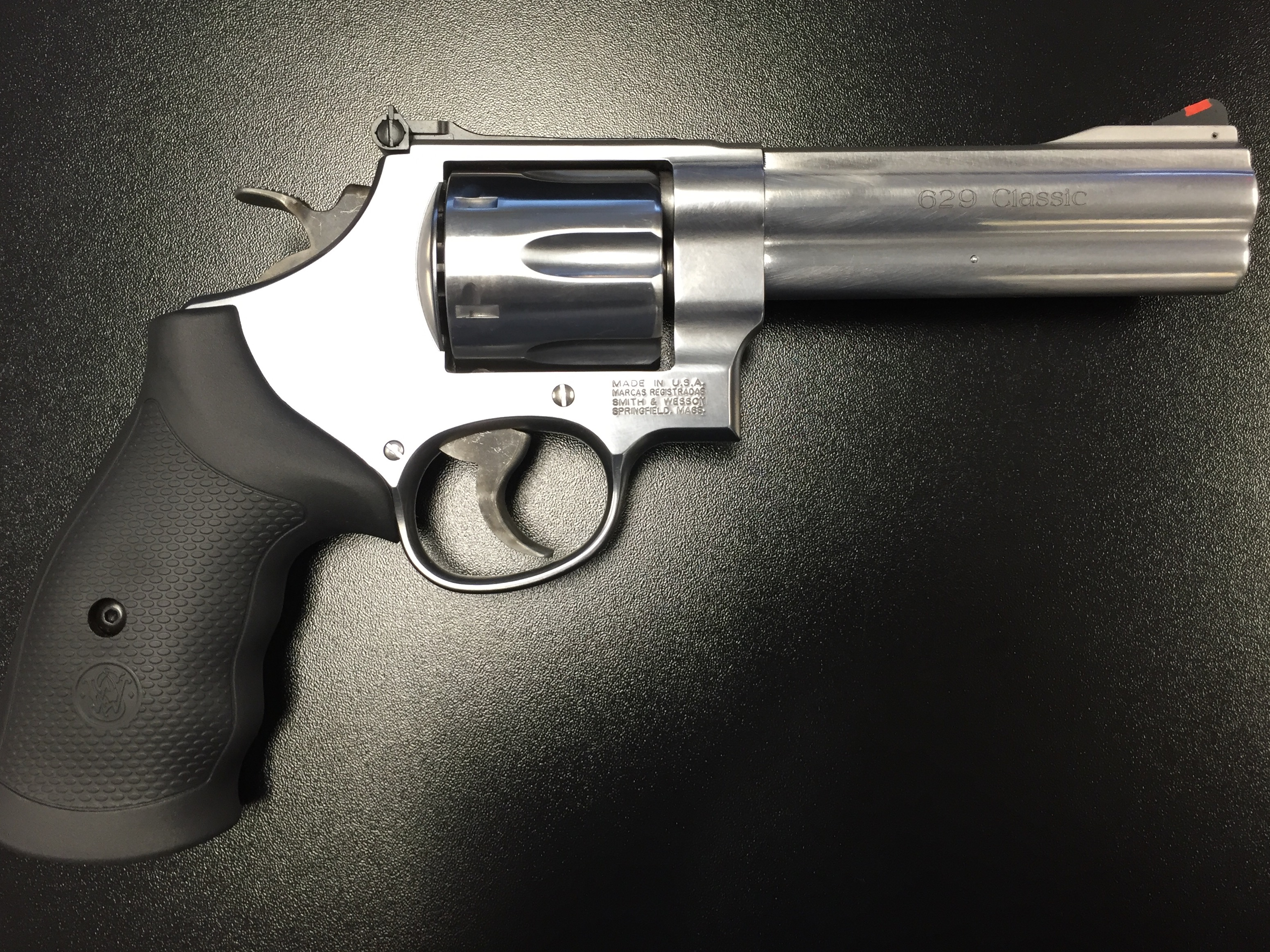 Smith & Wesson Model 629 Classic .44 Magnum 5″ – used like new