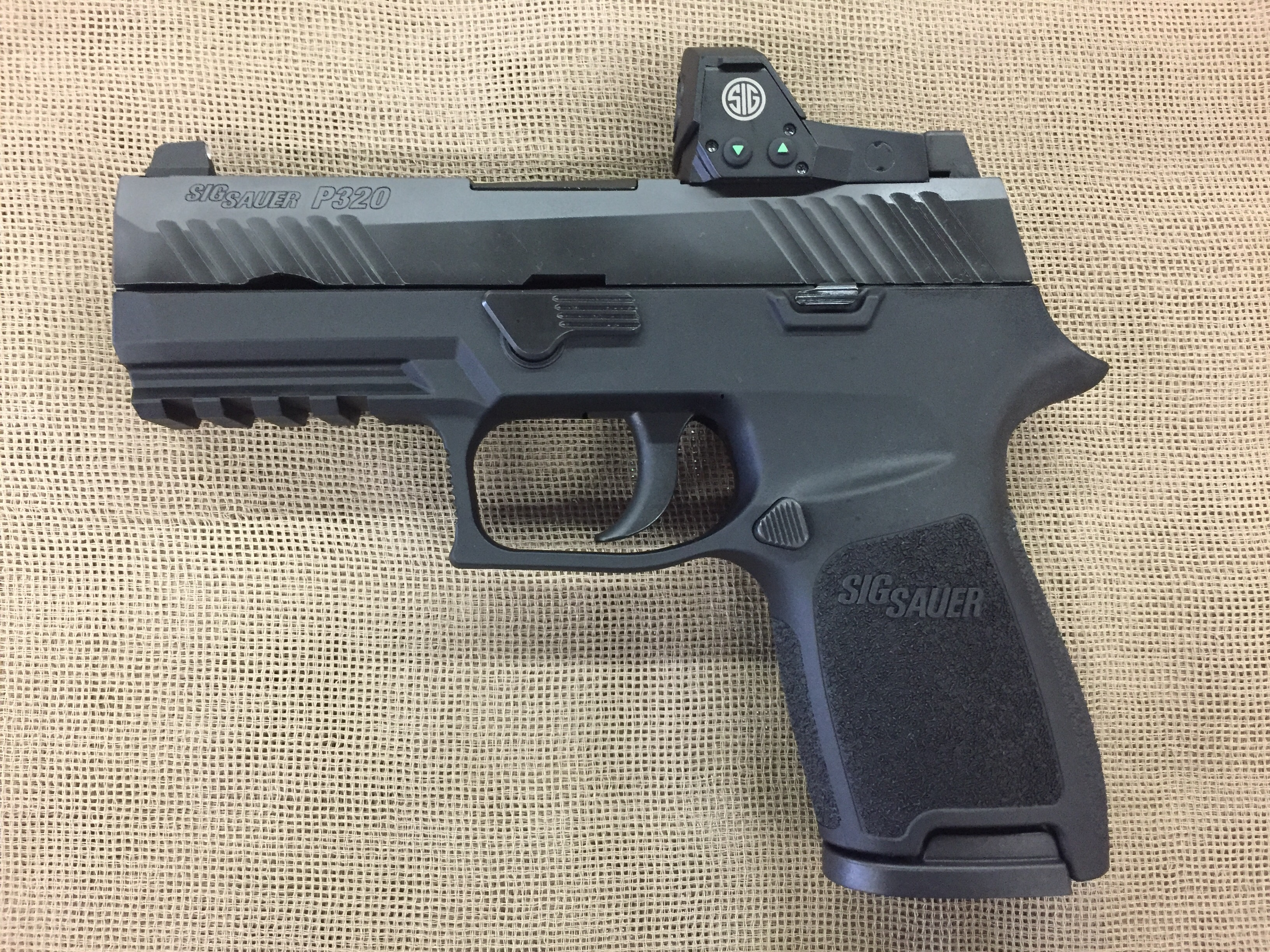 Sig Sauer Model P320 Compact RX Romeo 9mm compact w/optic