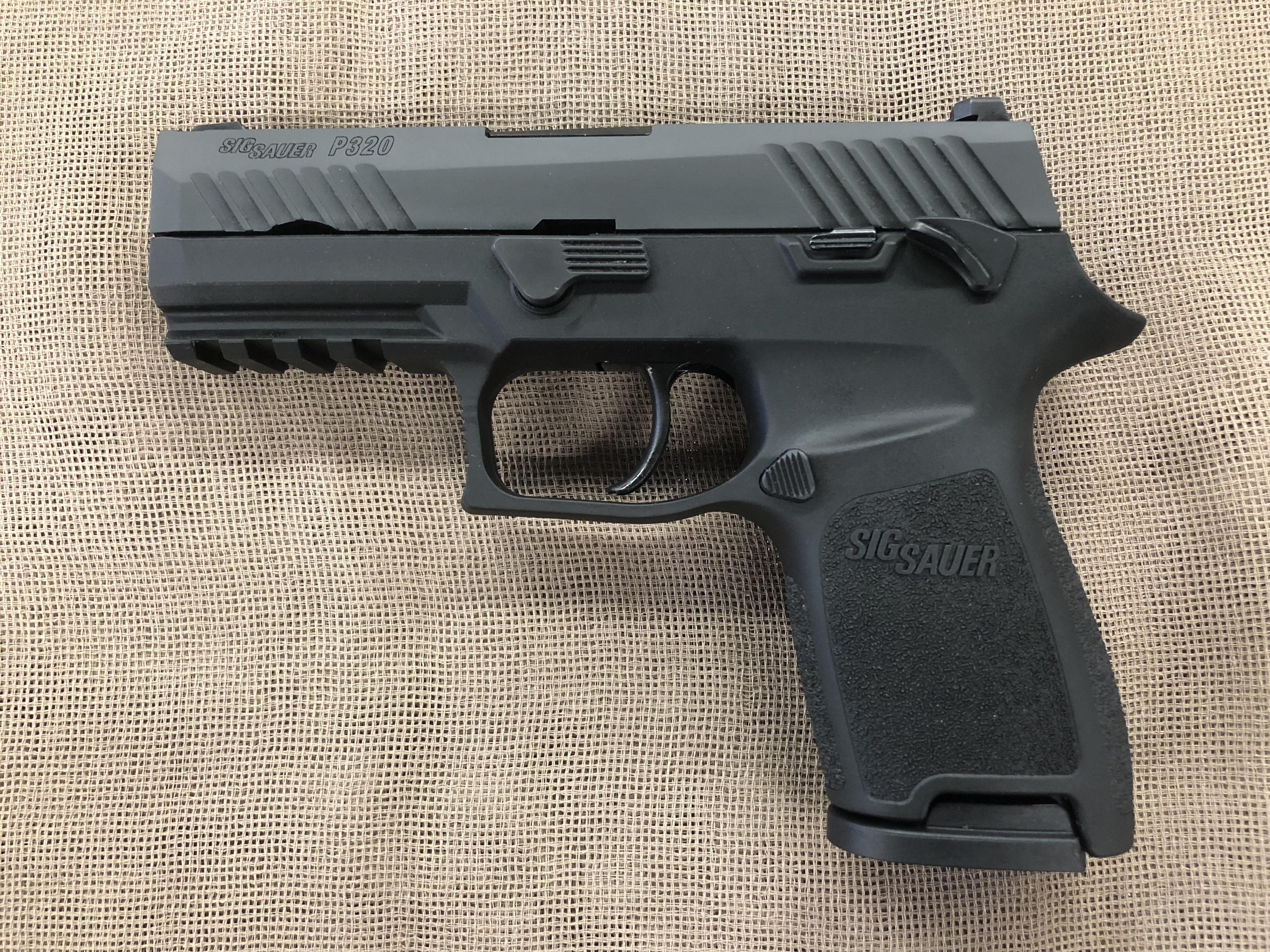 Sig Sauer P320 Compact 9mm Night Sighs external safety